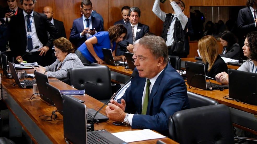 Resultado de imagem para Moro declara apoio integral a projeto de Alvaro Dias que acaba com foro privilegiado